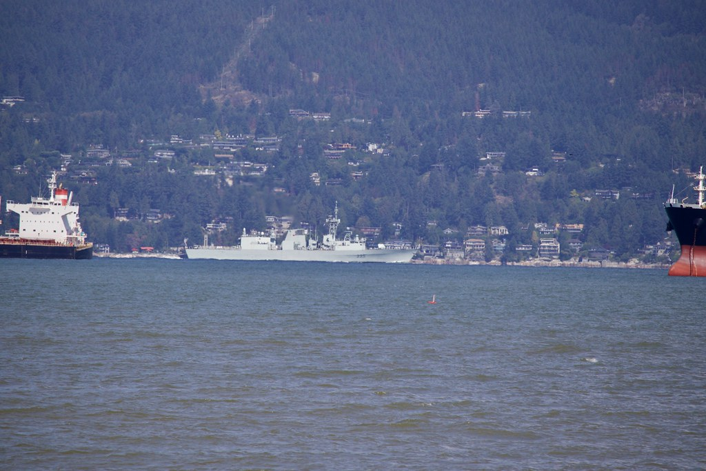 HMCS Calgary 002