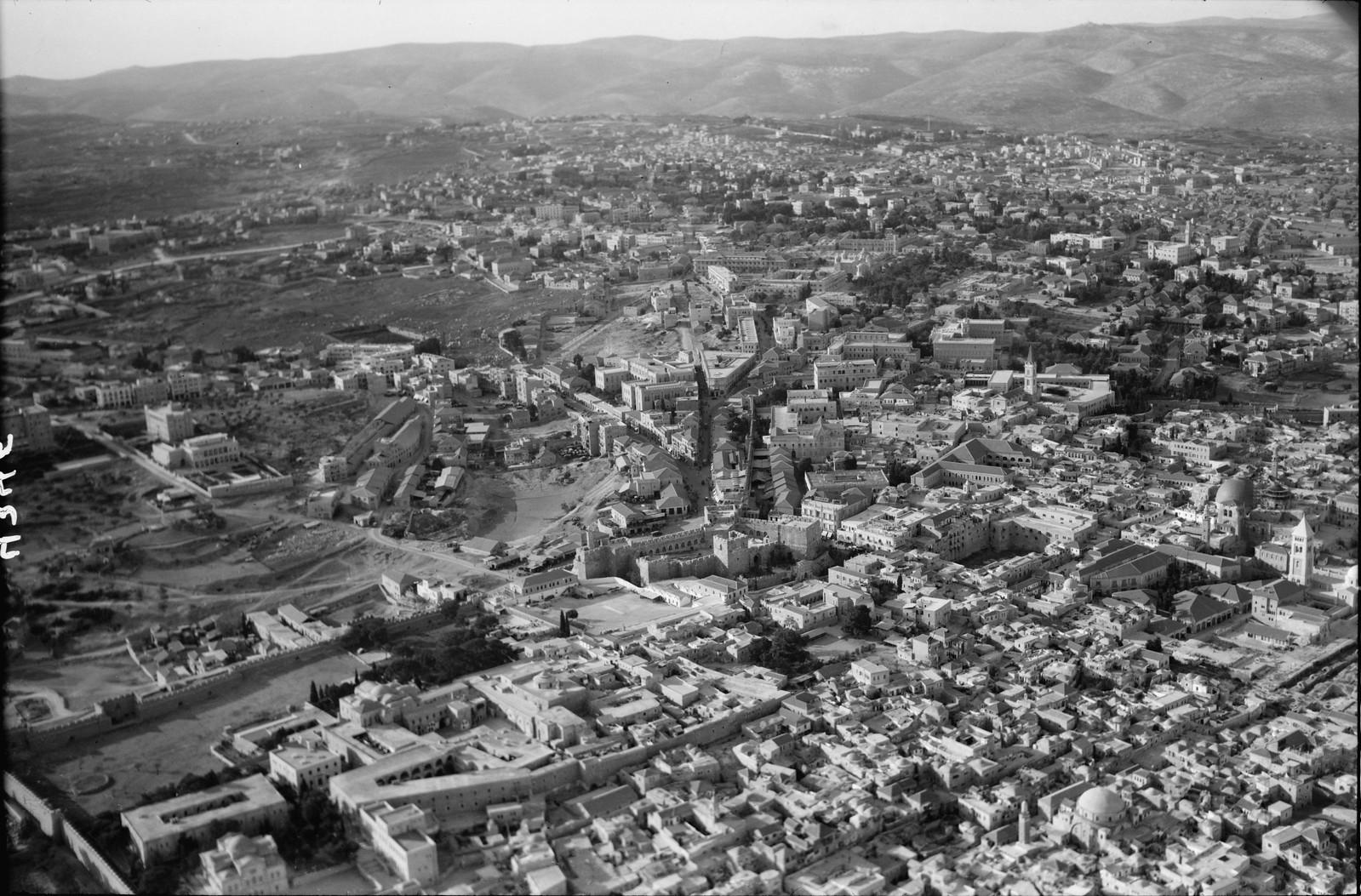 05. Иерусалим с воздуха (Старый Город). Квартал Яффских ворот. Вид на север, Цитадель и так называемый пруд Езекии