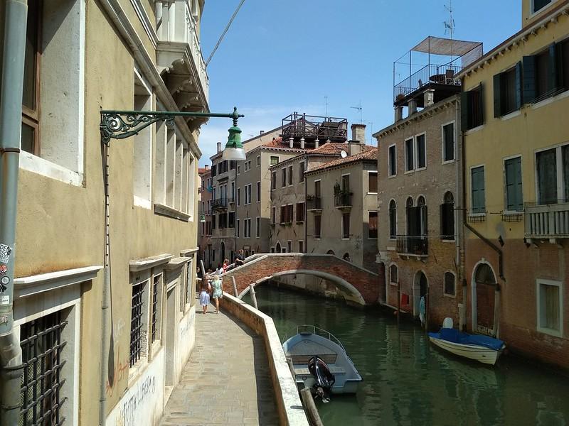 Венеция - Канал и лодочки