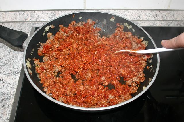 14 - Tomatenmark mit andünsten / Braise tomato puree