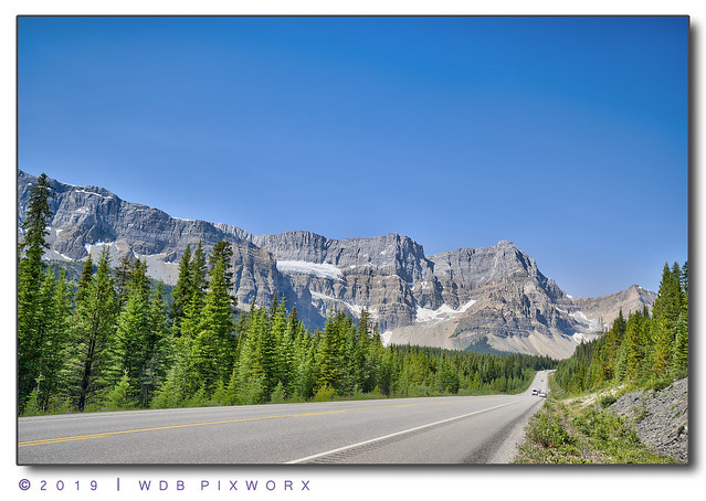 BOW GLACIER MOUNTAIN VIEW FROM ICEFIELD PARKWAY ALBERTA HIGHWAY 93