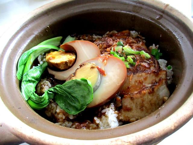 Claypot pork rice