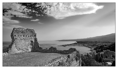 taormina sicily greek theater
