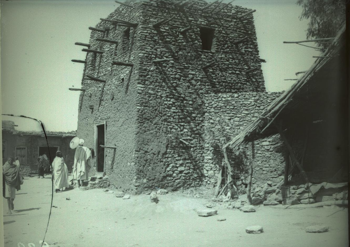 239. Абиссиния, провинция Харар, г. Харар. Вход в церковь