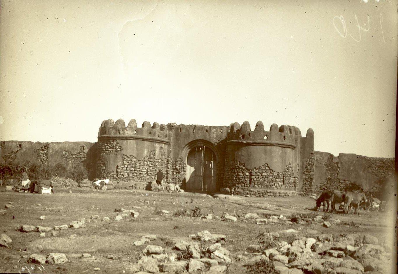 208. Абиссиния, провинция Харар, г. Харар. Ворота Цитадели