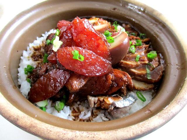 Claypot chicken & pork rice