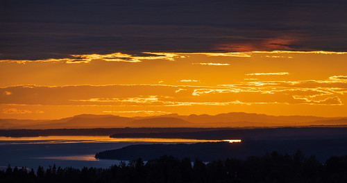 sverige landscape sunset water sweden outdoor lake lakesiljan moln summer plintsberg canonef100400mmf4556lisiiusm sjö layers sky nordiclight dalarna canoneosr solnedgång cloud leksand dalarnaslän