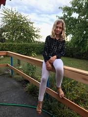 Greta en la barandilla nueva del Gardenia