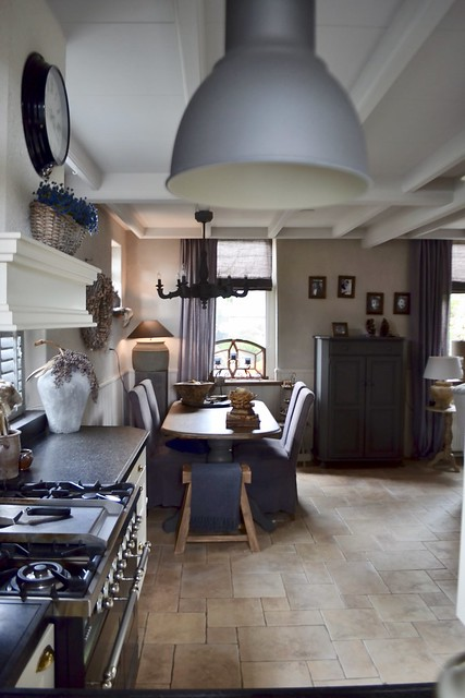 Tegelvloer keuken landelijke stijl