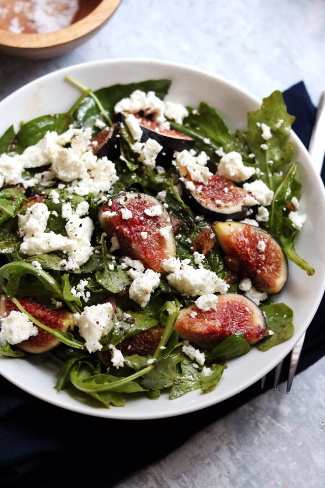 Fresh Fig Salad with Basil, Goat Cheese, and Arugula