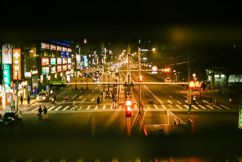 繁華熱鬧的公館夜景。圖/曾鈺晴提供