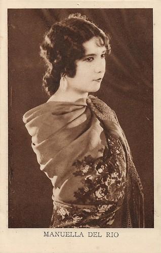 Manuela Del Rio, Kivou