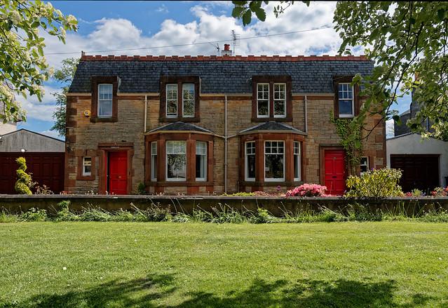 Scotland / Roslin / Penicuik Road / Typical house / 1 /