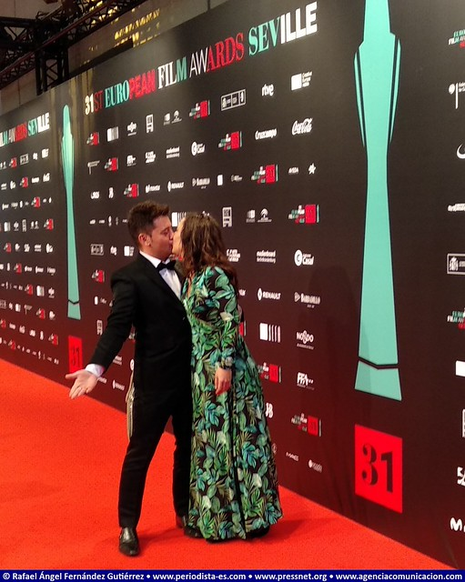 31 European Film Awards. Beso en la Alfombra Roja. Kiss on the Red Carpet