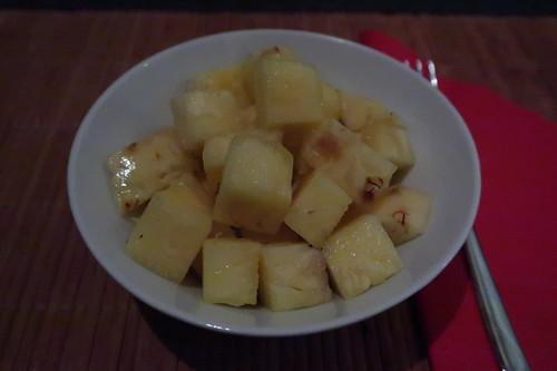 Aufgeschnittene Ananas aus dem SuperBiomarkt