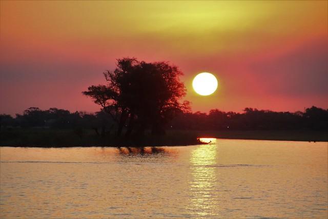 The sun sinks over the Chobe River, BOTSWANA 20180912