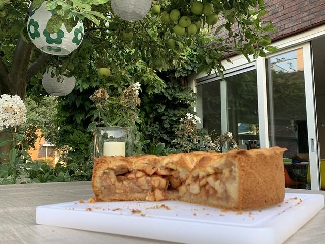 pie & tree