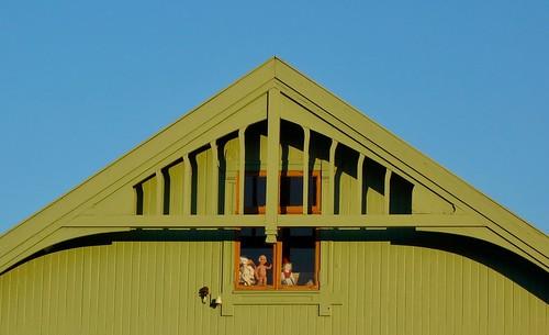 Creepy Window, Stokmarknes