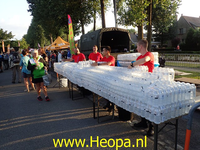 2019-08-20         De IJzer 1e dag Oostduinkerke (4)
