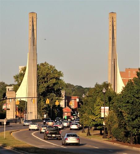 campus osu ohiostate columbus ohio buckeyes lane avenue bridge sunset