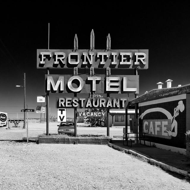 frontier motel / route 66. truxton, az. 2007.