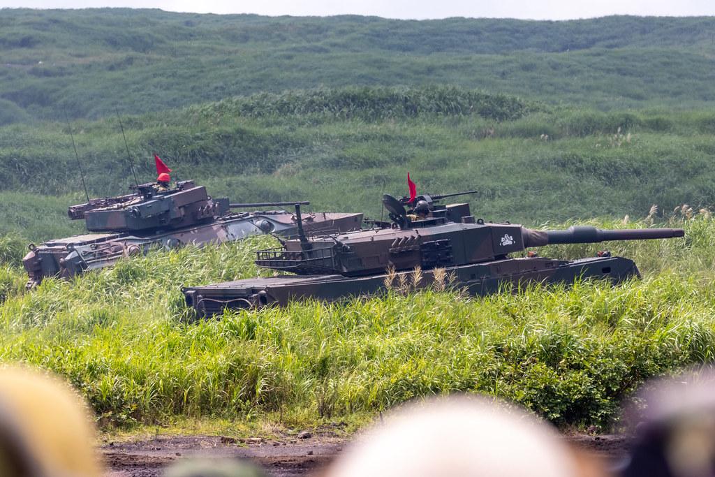 89式装甲戦闘車&90式戦車