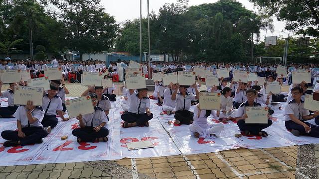 Hoạt động thi tìm hiểu tiểu sử Nguyễn Hữu Tiến
