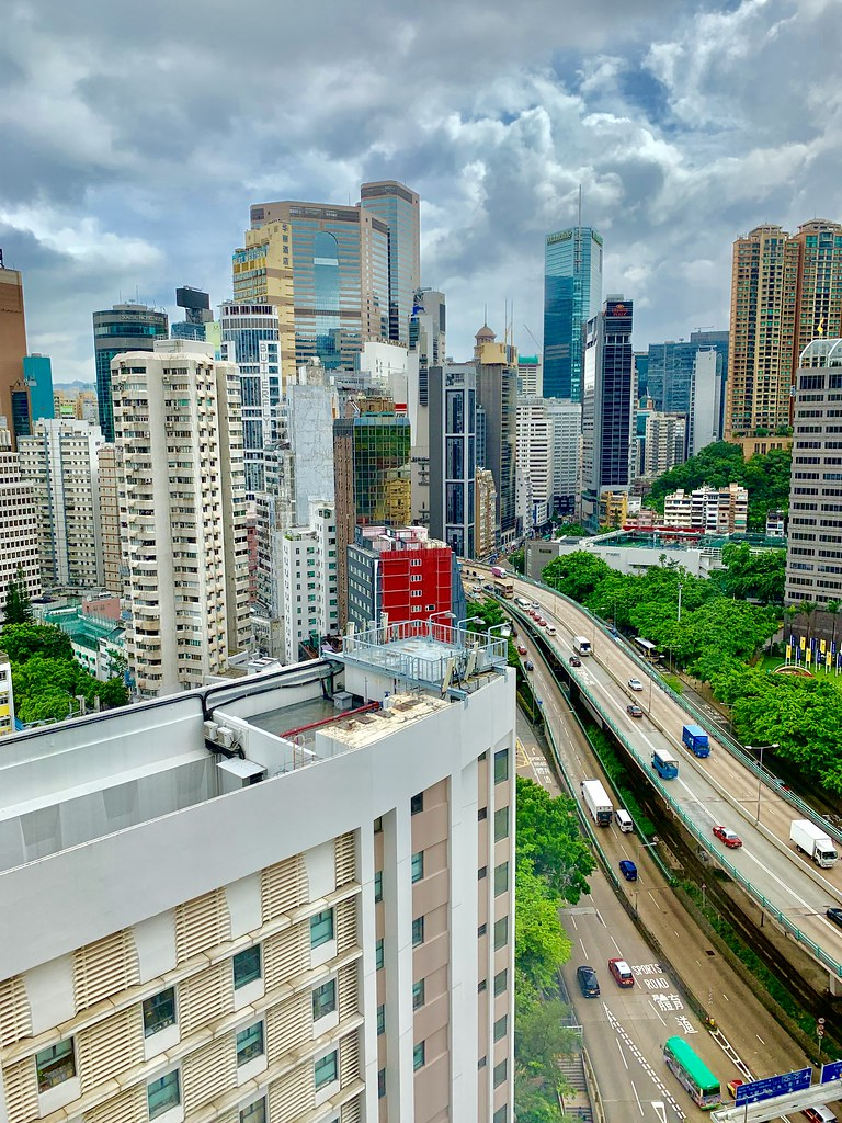 Good morning from Hong Kong! Cometan has made it to the beautiful city for a full-filled week of activities with his two friends! Stay tuned for more amazing images!