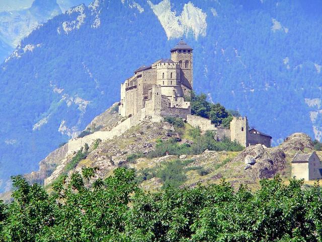 Suisse, dans la ville de Sion, la Basilique Fortifier de Valère