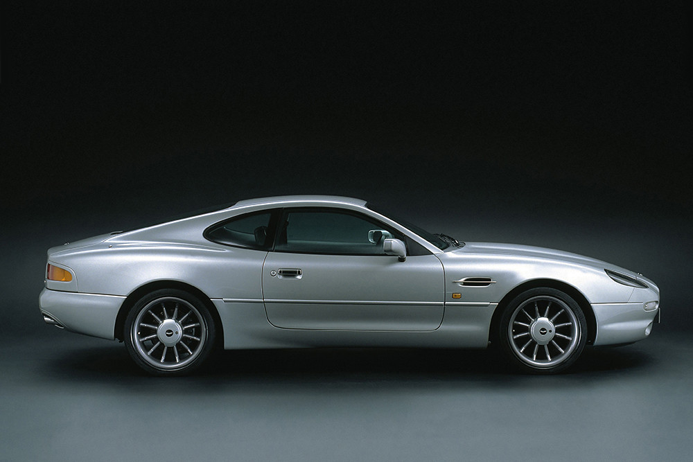 aston_martin_db7_alfred_dunhill