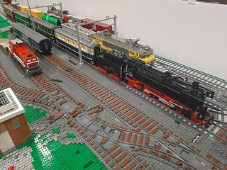 LowLug meeting XL Meijel 2019. A great and very busy day! The layout showed on the meeting is 33% of our LegoWorld layout for thid year😉