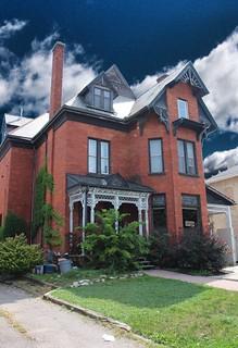Brantford Ontario - Canada - 47 Brant Ave  - Architecture  Victoria
