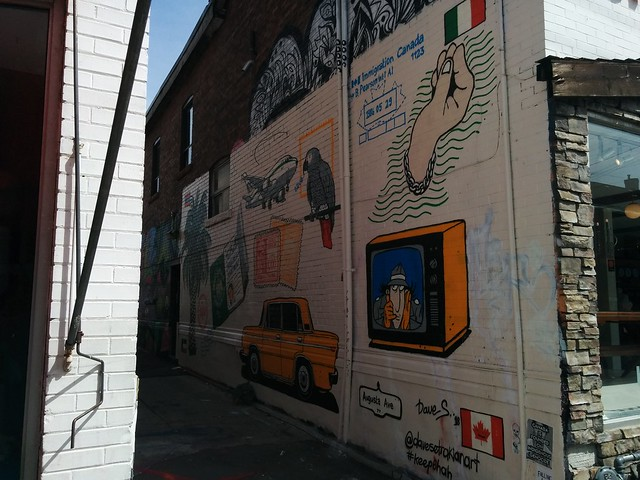 Mural (4) #toronto #kensingtonmarket #oxfordstreet #augustaave #mural #publicart #graffiti #italy #canada #migration #latergram