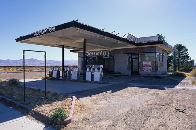 food mart gas. yermo, ca. 1999.