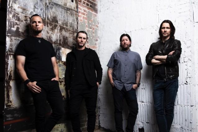 美國另類搖滾樂團 Alter Bridge 發布新歌 Take The Crown 1