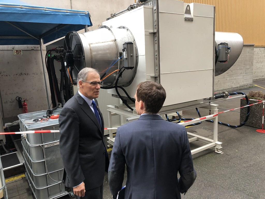 瑞士碳捕捉公司Climeworks是目前全球僅有的吸碳工廠。圖片來源:Jay Inslee(CC BY-ND 2.0)