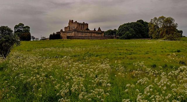 Scotland / Craigmillar / Craigmillar Castle / 14th century