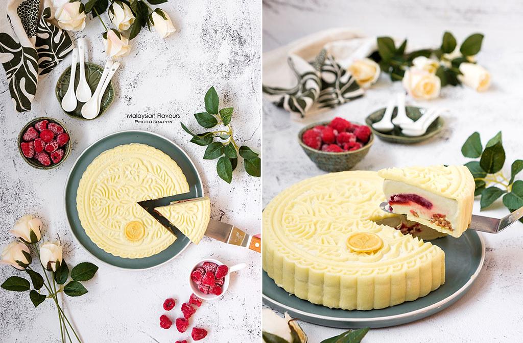 Supermoon-inside-scoop-ice-cream-mooncake
