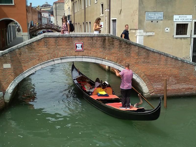 Венеция - Мост через канал