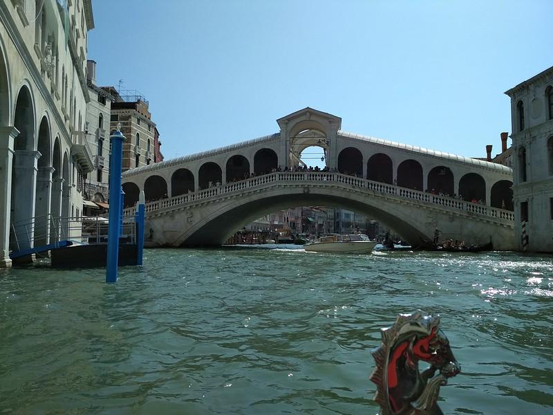 Венеция - Мост Риальто не с парадной стороны
