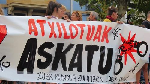 Concetración en Irun-Mosku denunciando las detenciones en la Cumbre del G7 en Miarritz