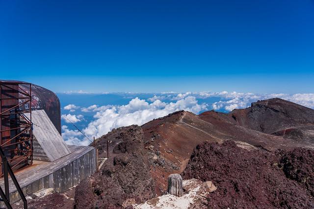 僅かに・・・八ヶ岳と奥秩父の山々を確認@剣ヶ峰