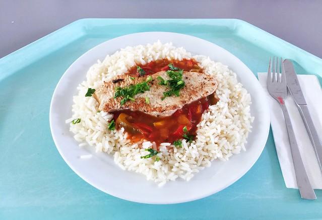 """Fried turkey escalope """"gypsy style"""" with rice / Gebratenes Putenschnitzel """"Zigeuner Art"""" mit Reis"""