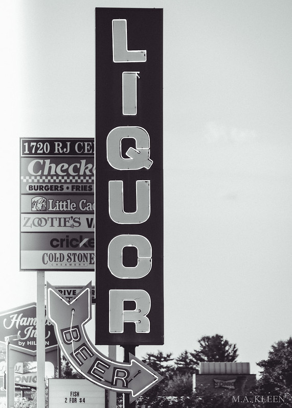 Liquor Locker Neon Sign
