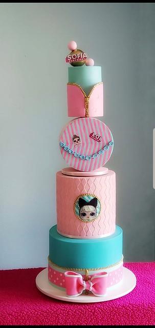 Cake by Dessy Salaverria