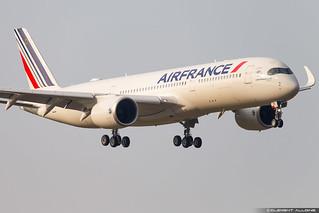 Air France Airbus A350-941 cn 331 F-WZFN // F-HTYA
