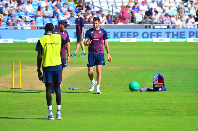 James Anderson in conversation with England's bowling coach Chris Silverwood while Jofra Archer looks on