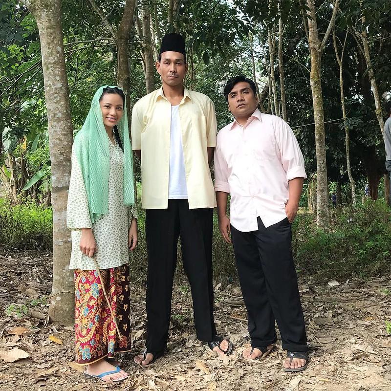 Nazeera Sardi, Riz Amin Dan Zahid Dalam Wanita Di Hujung Kuala