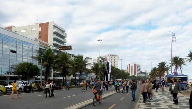 AM Ipanema190825 001 Marcha pela Amazônia Geral boneco do Lula aberta
