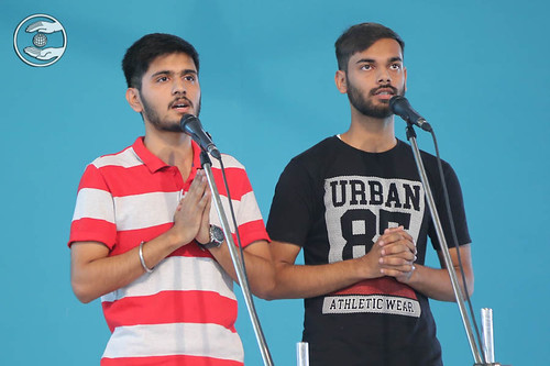 Sacred song by Sahil and Gurvinder, Nirankari Colony, Delhi